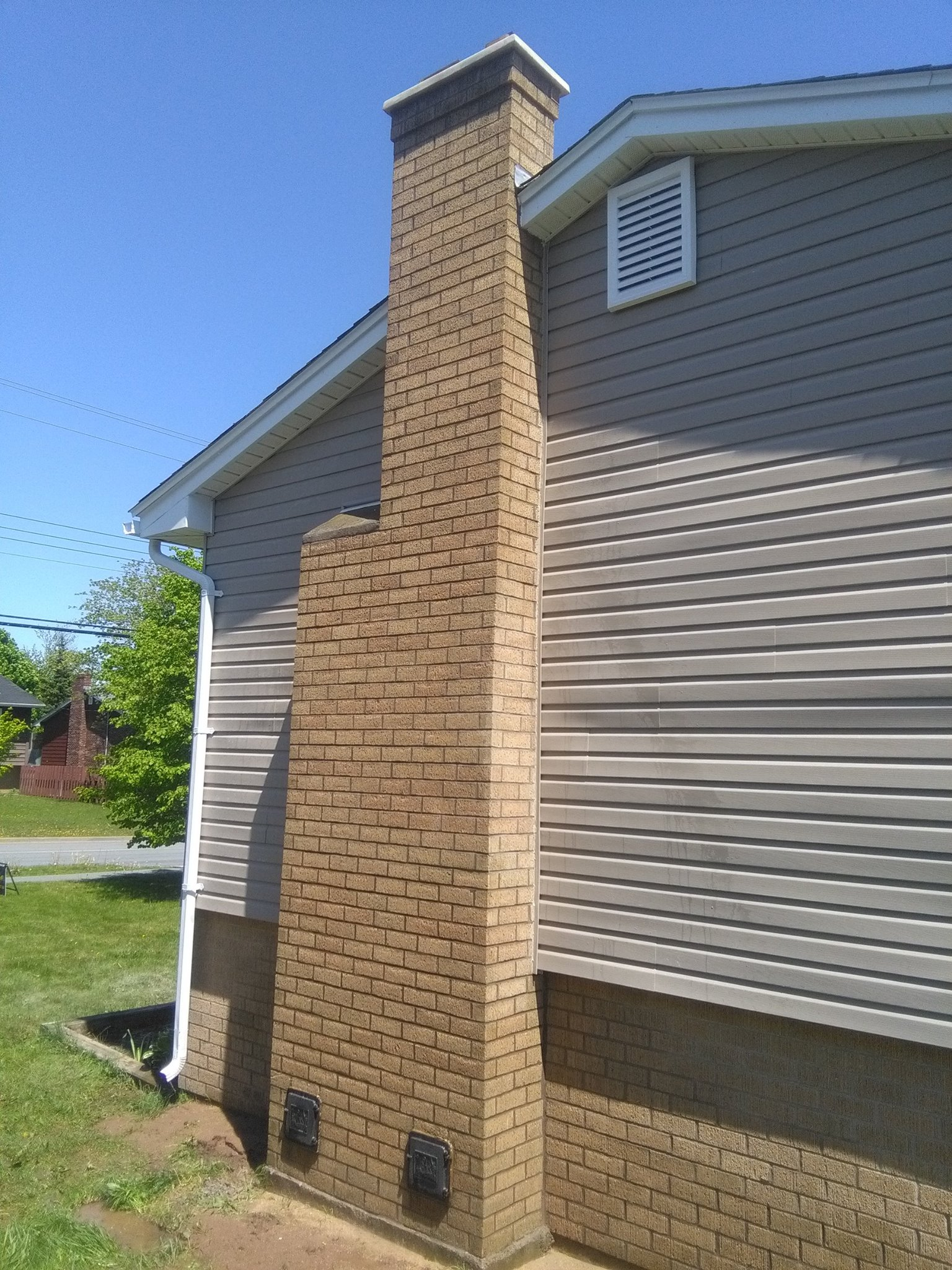 image of chimney repair-masonry chimney repair services completed in Halifax, NS by Pro Chimney Services based in Halifax, NS servicing all of the Halifax-Dartmouth Regional Municipality, Bedford, Sackville, Mount Uniacke, Hantsport, Windsor, Wolfville, Kentville, Chester Basin, Mahone Bay, Lunenburg, Bridgewater, Liverpool, Fall River, Wellington, Enfield, Elmsdale, Brookfield, Truro, Musquodoboit Harbour & surrounding areas.